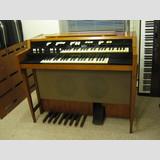 Hammond L102 organ